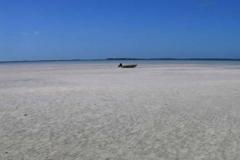 Boat Bahamas Low Tide 4566 © Ann DeMuth